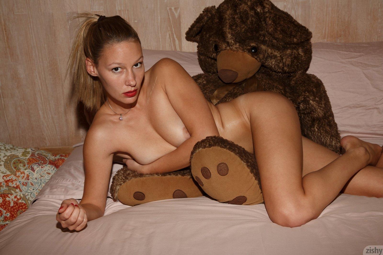 Heidi Bichette Nude
