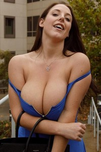Curvy brunette strips off everything but panties in a car