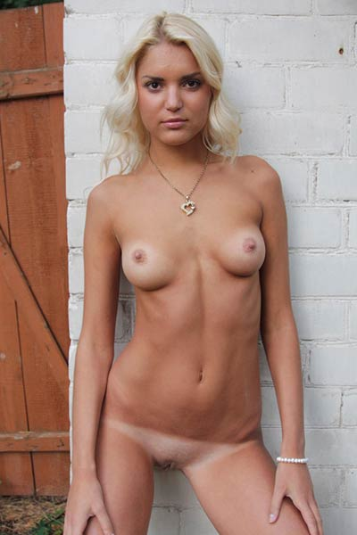 The desire of showing her gorgeous body drives Milana really mad