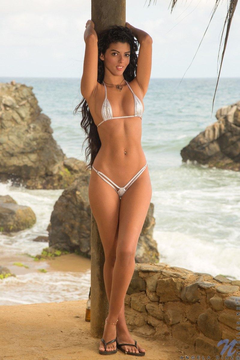 Celeb Free Nude Celebs At Beach Photos