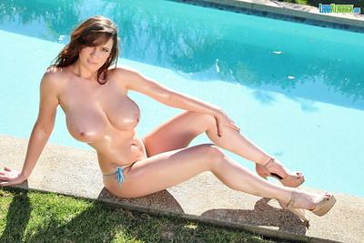 Lana Kendrick in Sparkle Bikini from Pinup Files