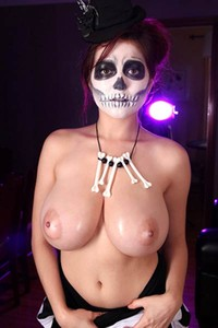 Tessa Fowler shows off her big natural voodoo tits for your delight