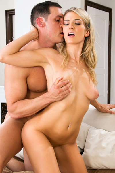 Horny blonde Amanda Tate got seduced and penetrated deeply by a big meaty pole