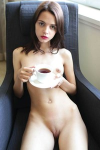 Amazing Ariel stuns everyone with her seductive body in Tea Time