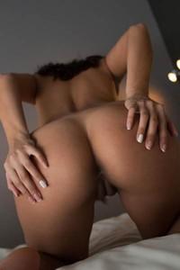 Alluring Cira Y naked in Simple Nudity