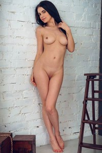 All natural Babe Mirela shows us her naked body in White Wall
