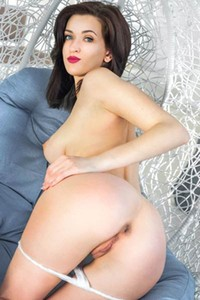 Blue eyed beauty Lara D strips naked to show us her perfect figure