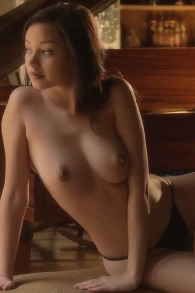 All natural piano girl takes off her sexy black lingerie and shows off her hot body