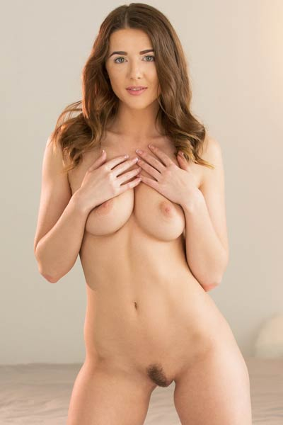 This brunette hottie will make your day with this nude photo set