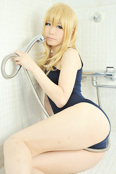 Get wet and naughty with pretty Asian blonde babe in swimsuit