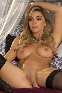 Outstanding beauty Niky Skyler flaunts her fantastic large boobs and peachy tight ass