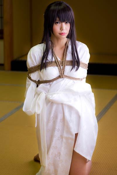 Flirty and playful beauty Sundome Iinkai bares her gorgeous body in Tugu To Kameko 5