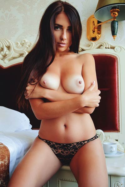 Are you for a cup of coffee with tempting babe with perfect curves
