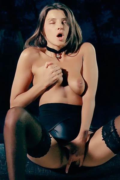 Watch brunette beauty Melena A fingering her wet shaved vag
