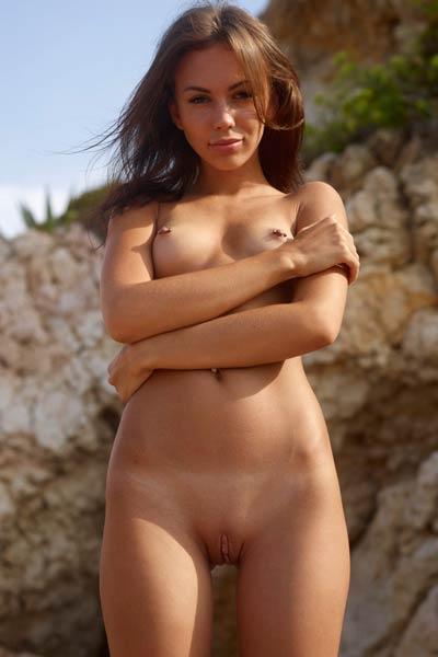 Fun day at the beach with an amazing vixen Karina
