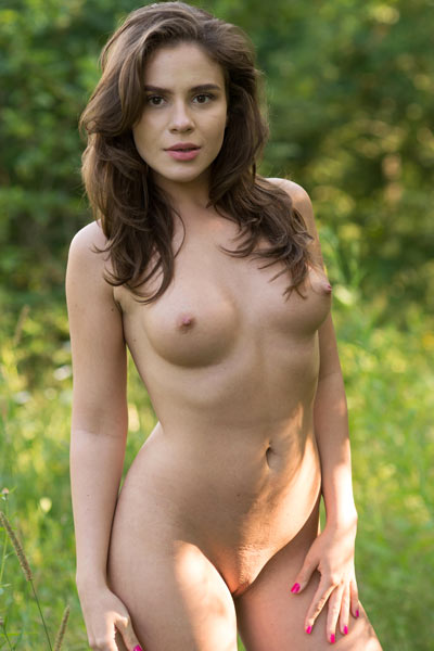 Brunette angel Leda is waiting for you outdoors in nature all naked