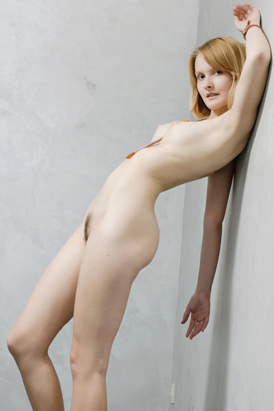 Mak has twat that is always ready to be shown off in the most irresistibly sexy way