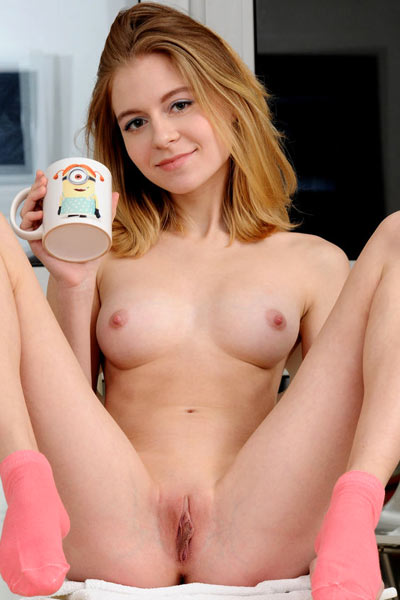 Chloe craves to share something wildly sexy with all the guys who want dose of her pussy