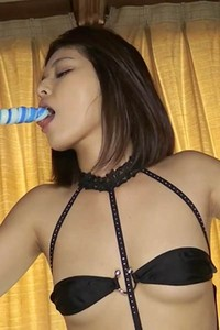 All natural model Tsubasa Akimoto gets naked and shows her mind-blowing sex appeal