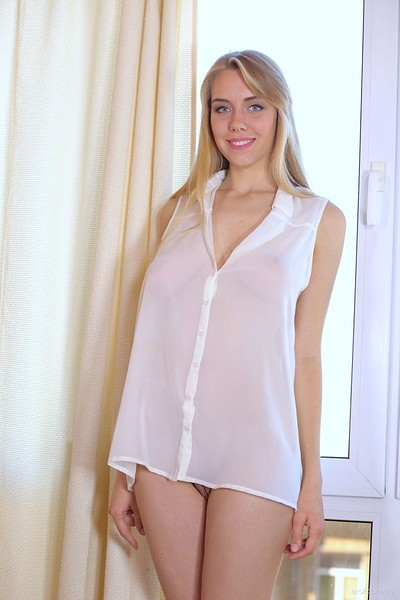 Ryana in Looking Great from Erotic Beauty
