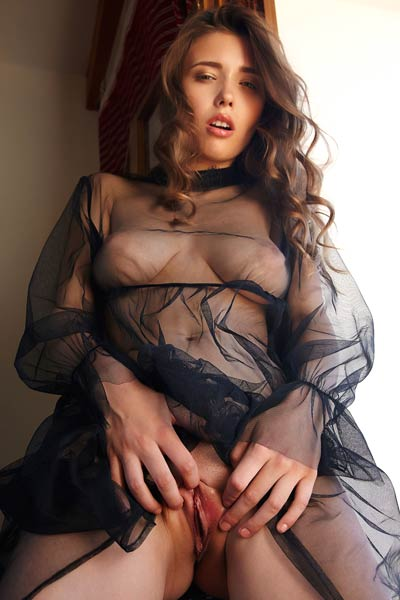 Mila Azul drops her sexy outfit and spreads her sexy things unveiling her delicious pink vag