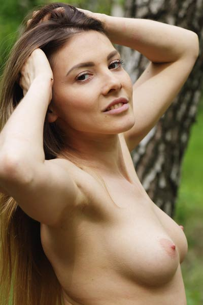 There is nothing like all naked babe in the middle of the woods