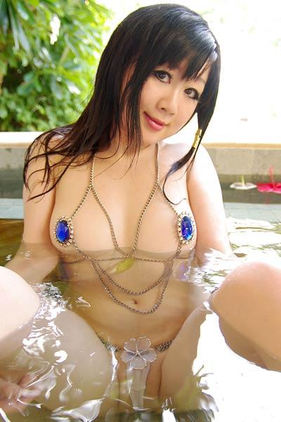 Beautiful model Fuuka Setsugetsu delightfully poses in Purumeria 2