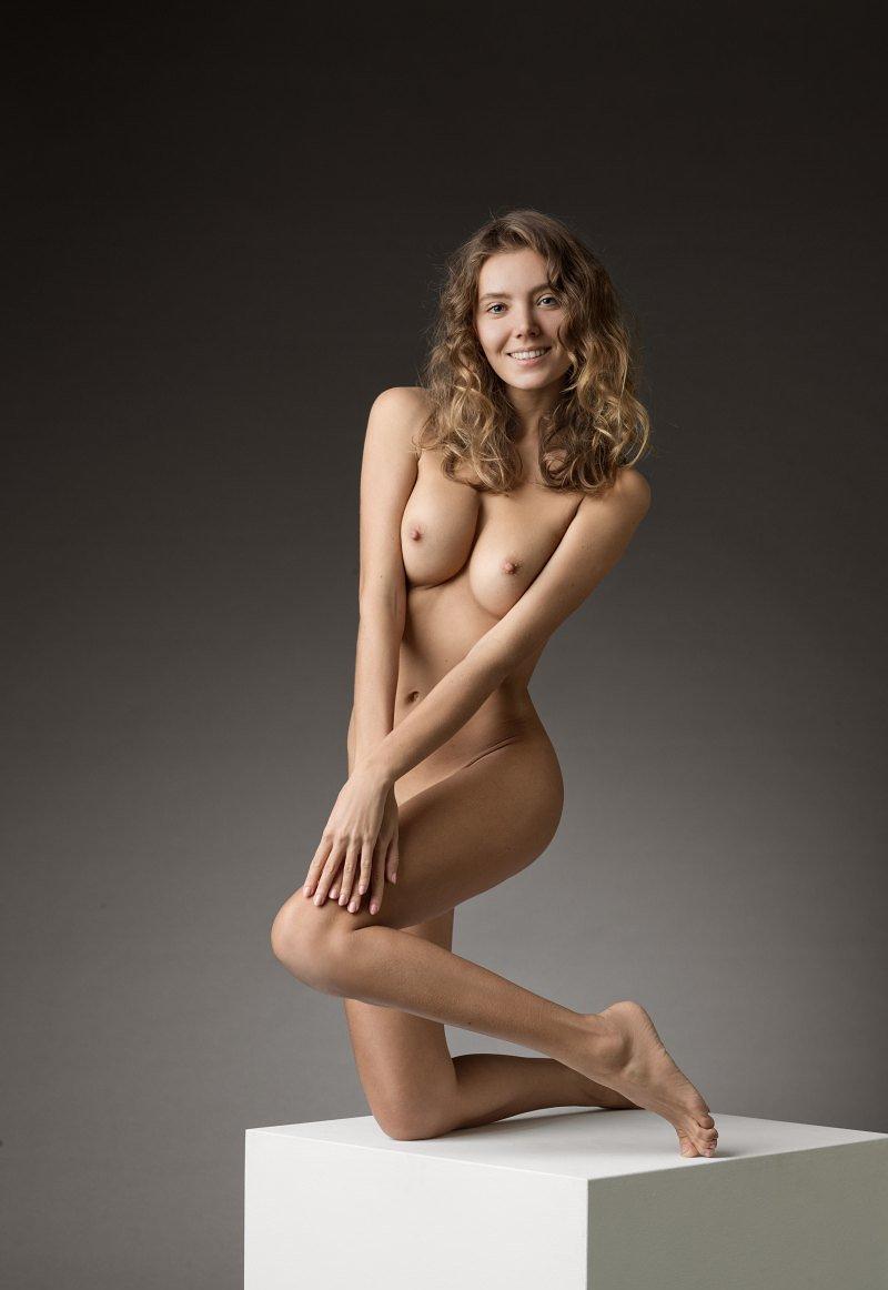 Clover nude