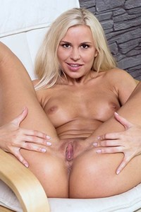 Dido is top class blonde model that simply adores to masturbate at home