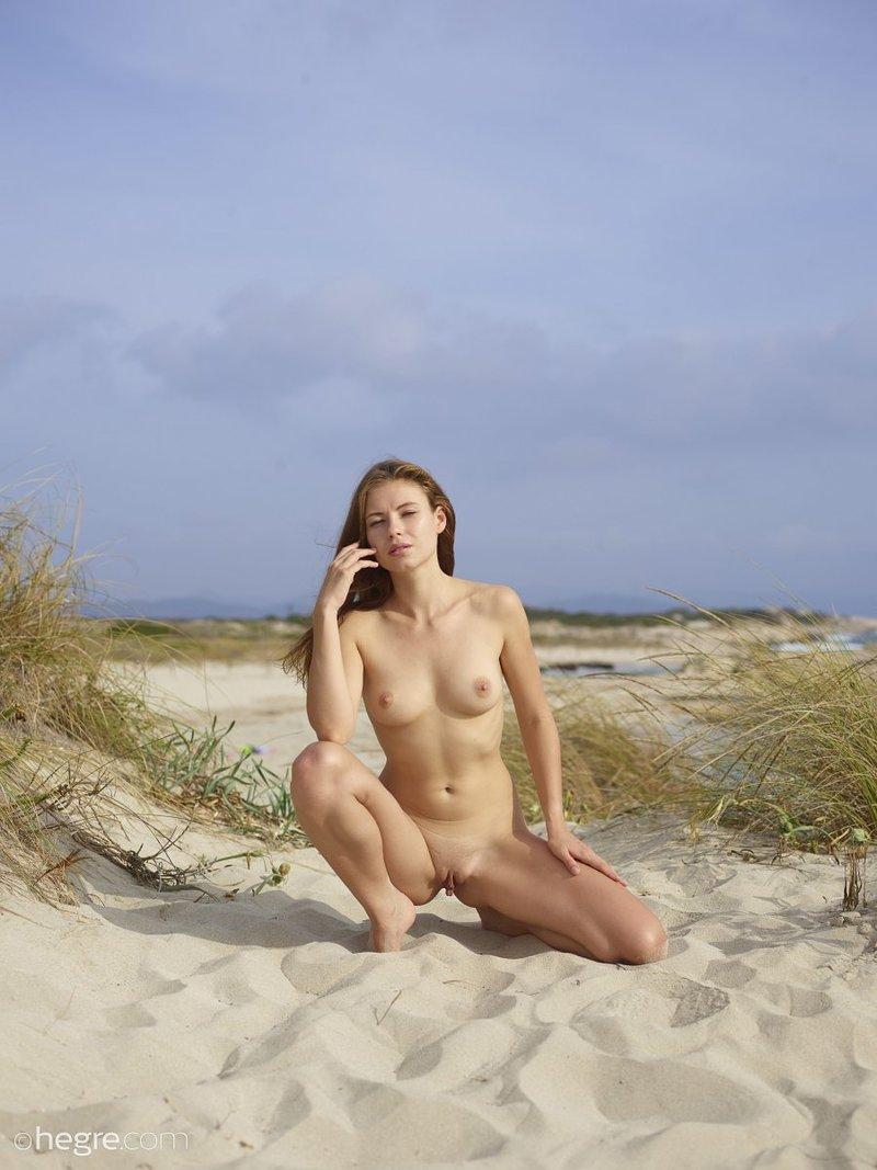 Jenna Nude In Ibiza Nude Beach