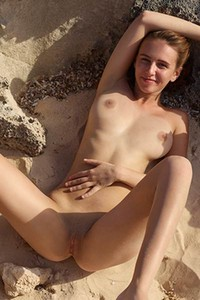 Beach is the only outdoor place where this magnificent hottie feels free and hot