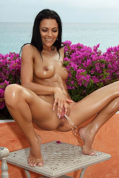 Gorgeous Shalina Devine takes off her yellow bikini and fingers her sweet love hole