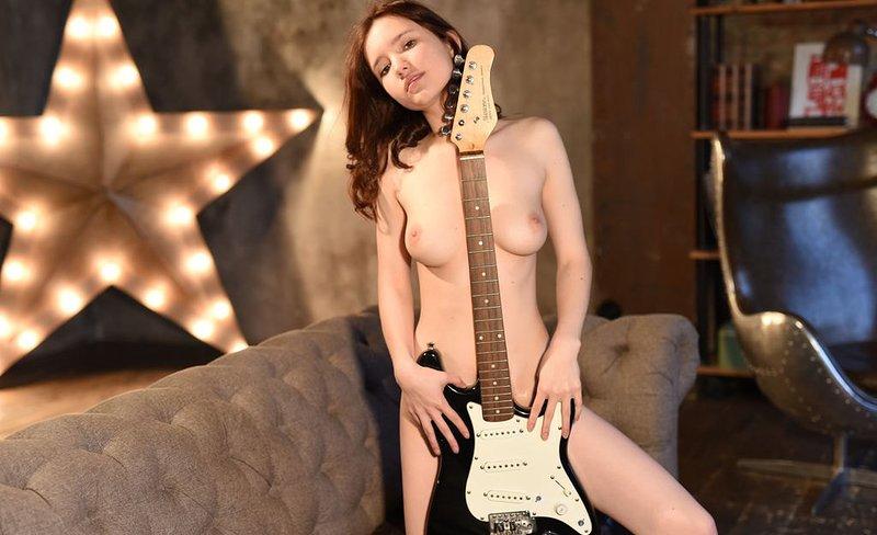 Fully nude beauty aphrodita beautiful milf breasts