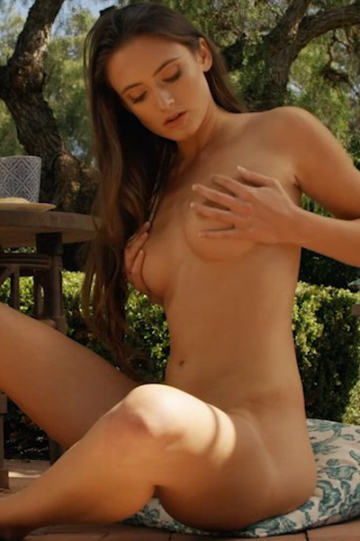 Super sexy brunette is naked in her garden and you can se how hot and horny she is