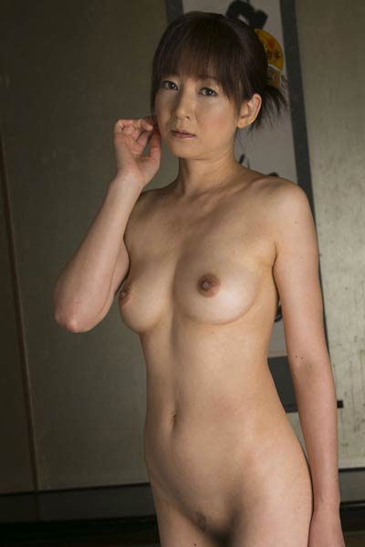Romantic and effortlessly beautiful hottie Ai Komori delightfully poses in Blind Trust