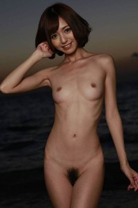 Beautiful beauty Aino Kishi shows off her stunning body in Falling Sun