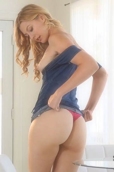 Alexa Grace is one naughty chick with perfect body and amazing posing skills