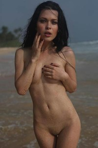 Seaside is nice place for her to get naked and shows us all of her