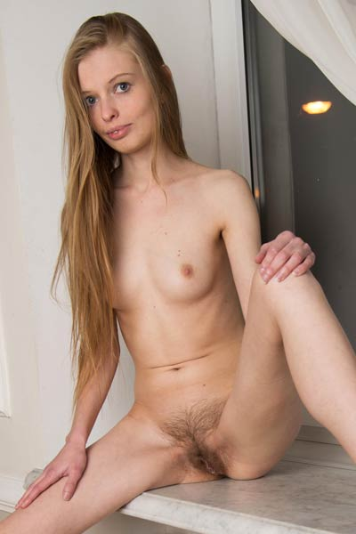 Petite and young Mary Lane presents us her slim body and juicy pussy