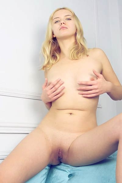 Sexy and charming blonde Mandy Tee present us a beauty of her body