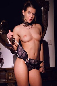 This perfectly sculpted hottie Sybil A makes your day much better with her photo set