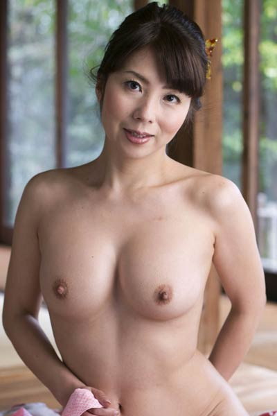 Top class All Gravure Beauty Kimika Ichijo bares her gorgeous body in At Your Mercy