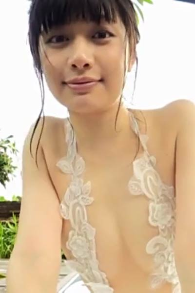 Romantic and effortlessly beautiful Girl Misaki Komatsu erotically poses in Miyano Scene 4