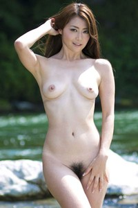 Adventurous and daring babe angel Maki Hojo shows her attractive young body in My Blue Sky