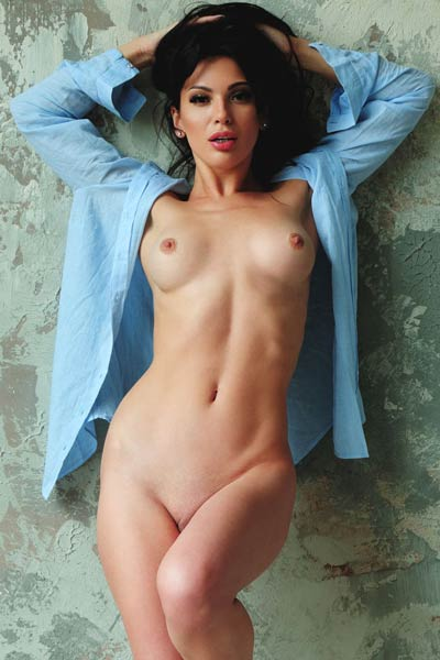Fantastic babe Kate Shoo takes her blue shirt and white panties revealing her amazing body
