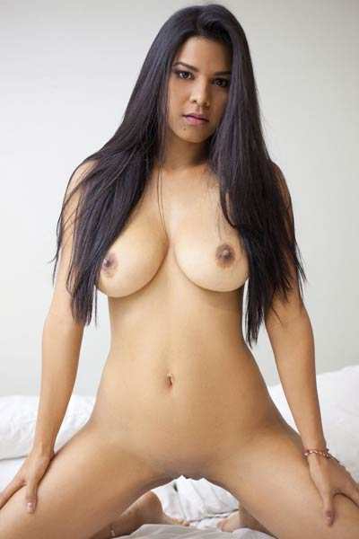 All natural babe Kendra Roll has a perfect combination of sweet face and nice body