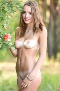Saloma is young and so horny brunette ready to give you what she has