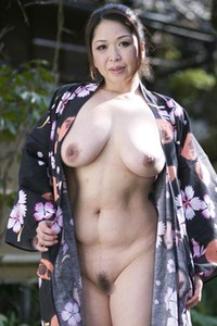 Gorgeous beauty Natsuko Shunga shows of her stunning body great ass and nice pussy in Mature Treat