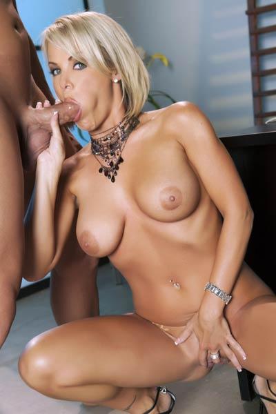 Graceful beauty Kayla Synz naughty in Dream Machine 3