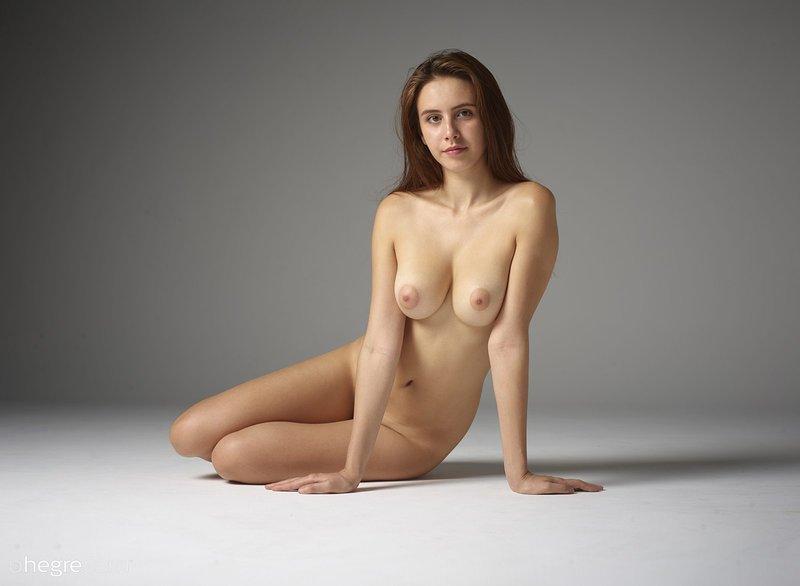 Full Figured Nude Girls